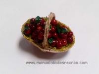 Cesta de cerezas - Cesta en miniatura con cerezas