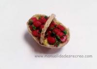 Cesta de fresas - Cesta en miniatura con fresas