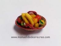 Cesta fruta y platanos - Cesta en miniatura con frutas