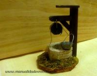 Pozo de madera con cubo - Pozo de madera en miniatura