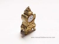 Reloj para chimeneas - Reloj en miniatura de sobremesa.