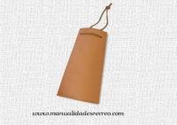 Teja de barro con cordón de 25cm - Teja de barro para decorar