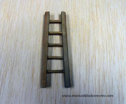 Escalera en miniatura portatil for Escalera madera portatil